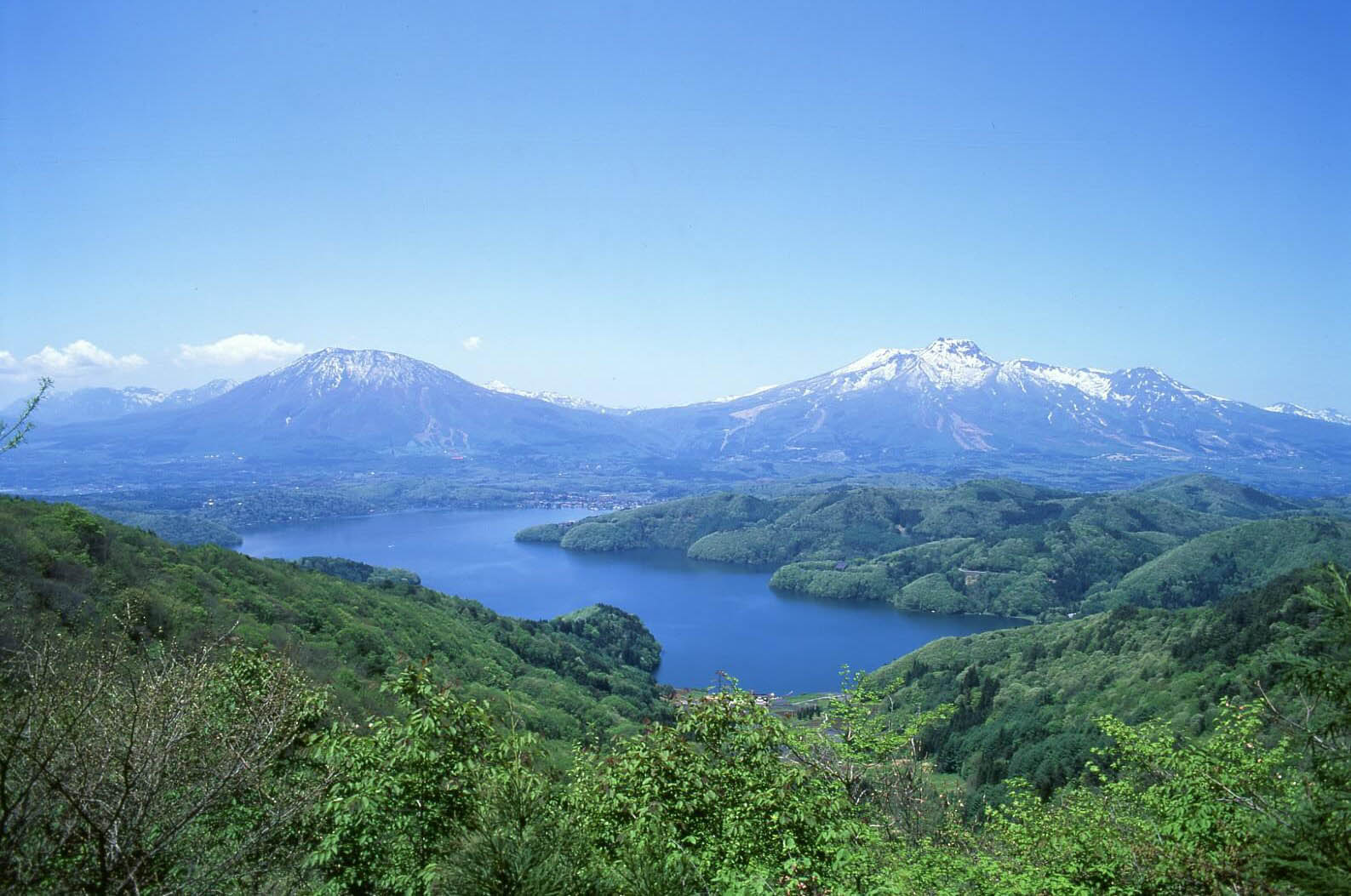 lake nojiriko